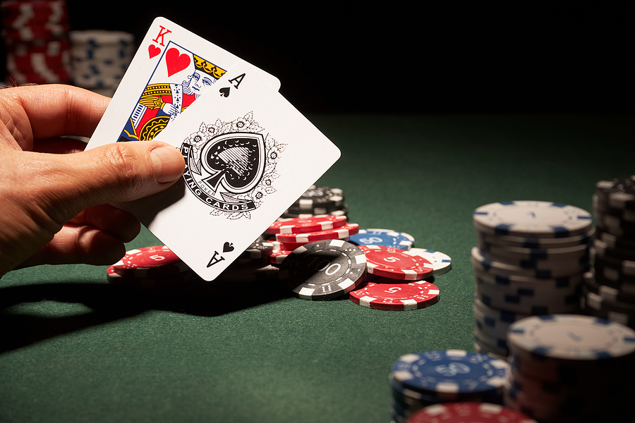 Easy techniques of betting with pokerqq game
